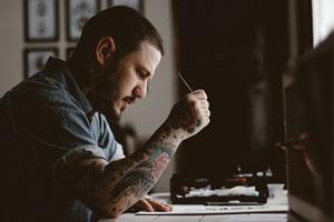 タトゥーアーティスト